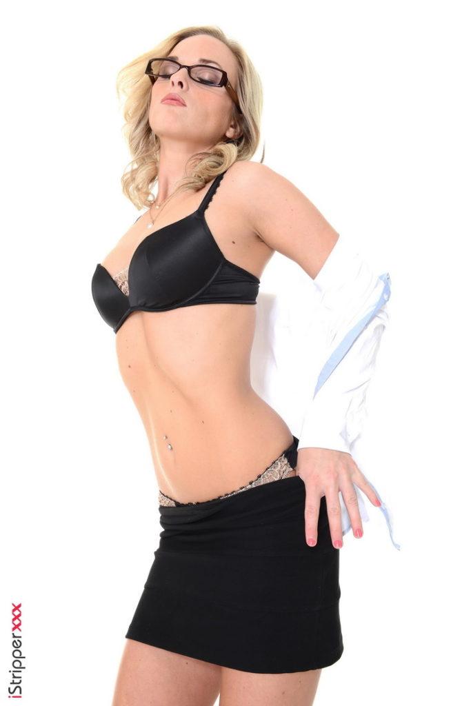 Blonde model: Vinna Reed - Vinna Reed blonde stripper